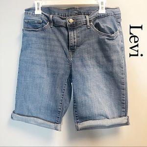 Levi's Classic Mid Length Shorts 32 Plus Size